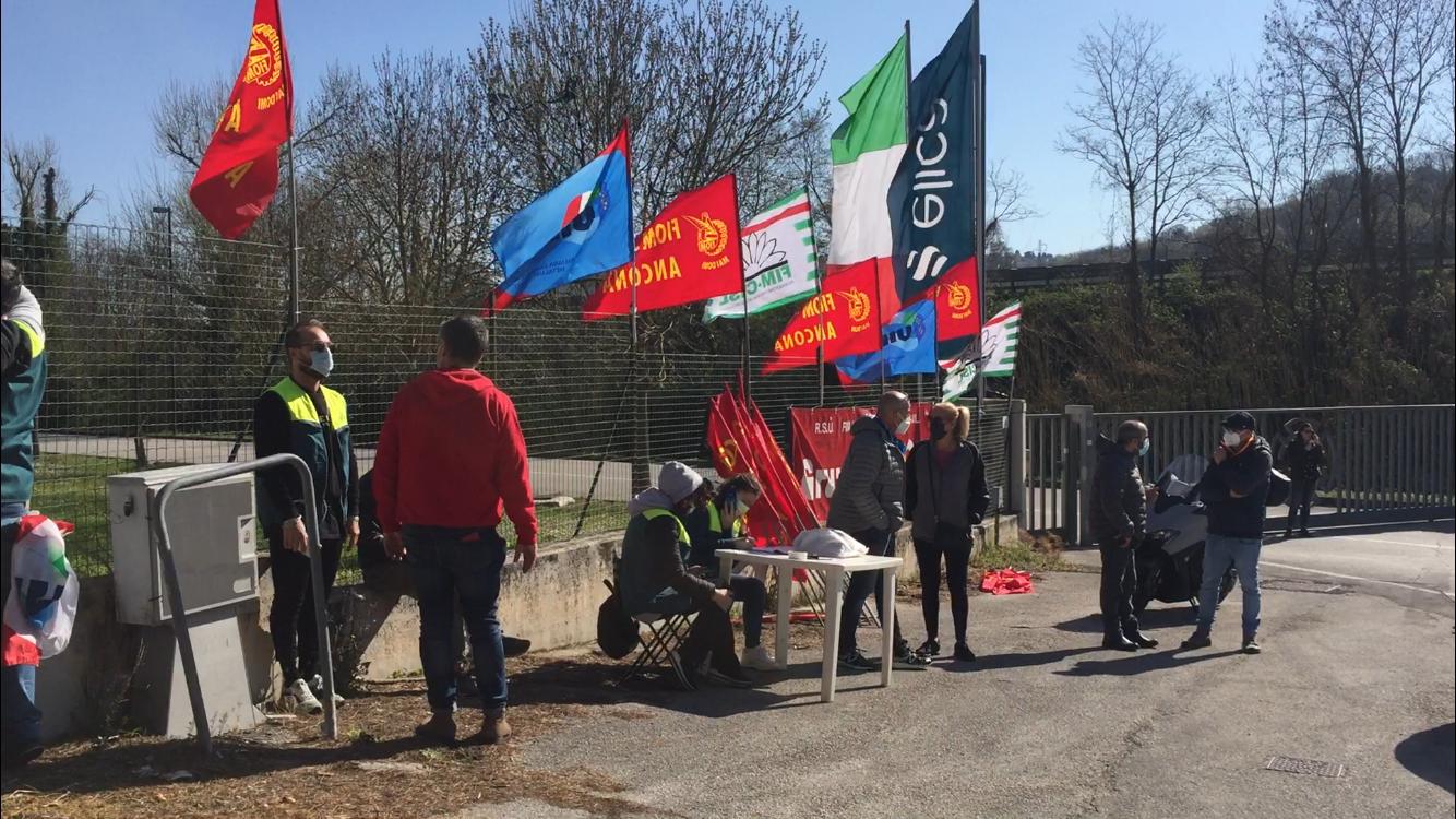 """Crisi Elica, i sindaci del territorio con i lavoratori: """"Delocalizzazione inaccettabile"""""""